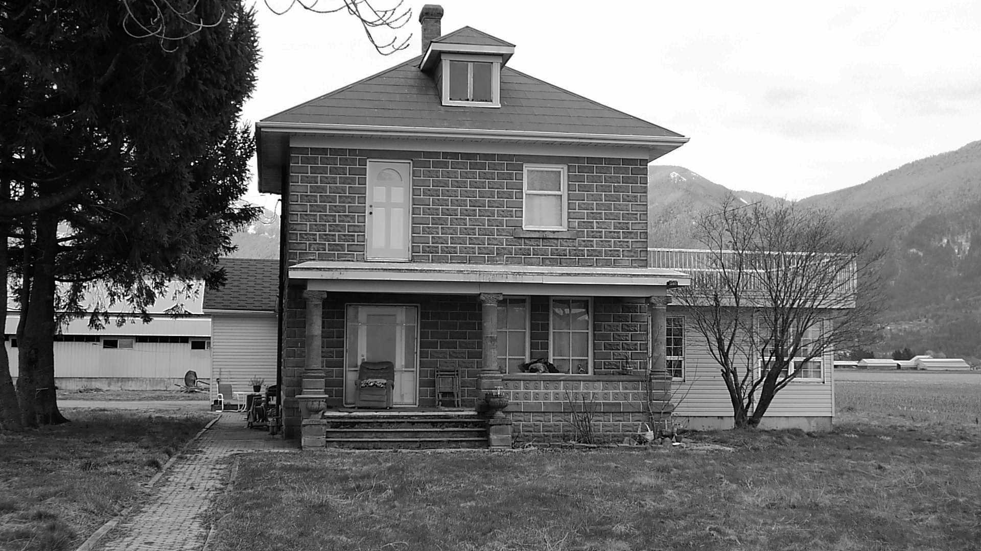 The royal hotel chilliwack blog concrete block houses for Cement block homes